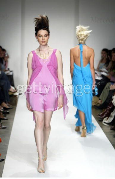 Heike Jarick Collection - Spring 2005 - Runway (Getty Images)