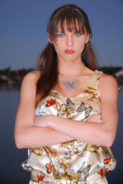 Kimberly Leemans nude 458